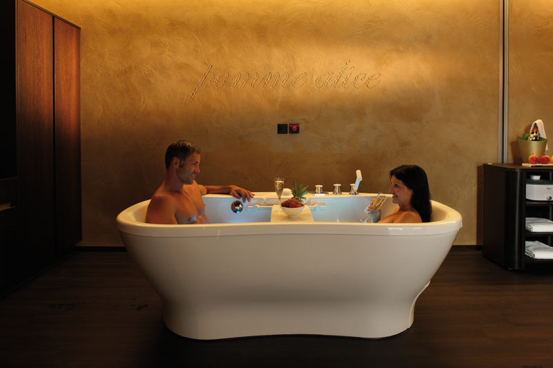 honeymoon in exklusiven wellnesshotels. Black Bedroom Furniture Sets. Home Design Ideas